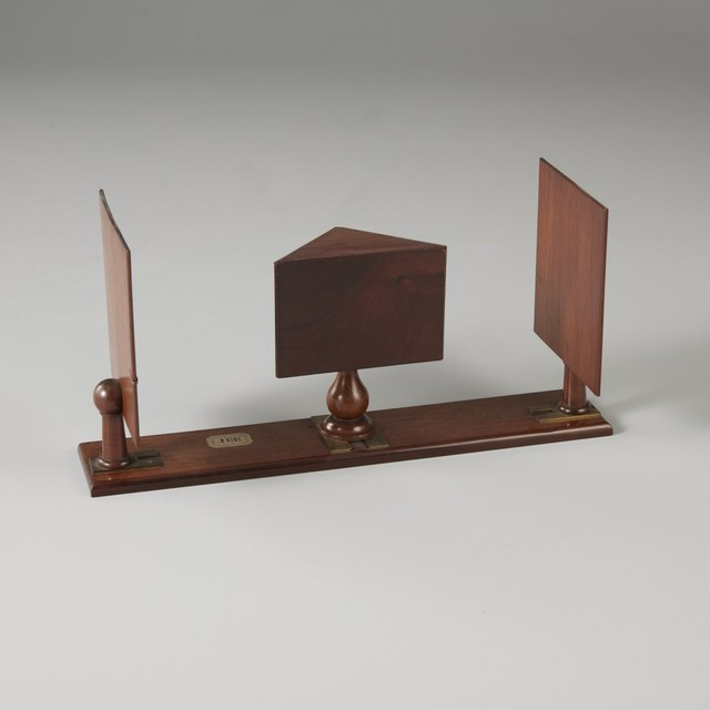Reflecting stereoscope, after Charles Wheatstone