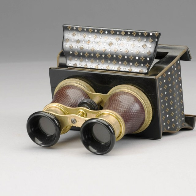 Stereoscope, with lunar views by Warren de la Rue