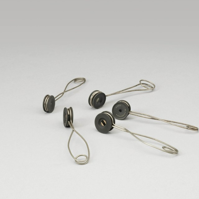 Tourmaline tongs for the polarisation of light, after Hofmann