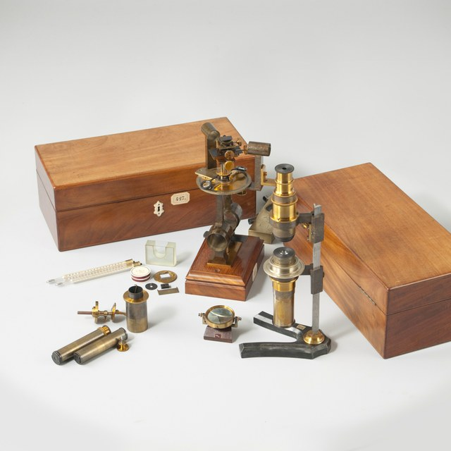 Box with Acc. for Crystallographic Instr. 427