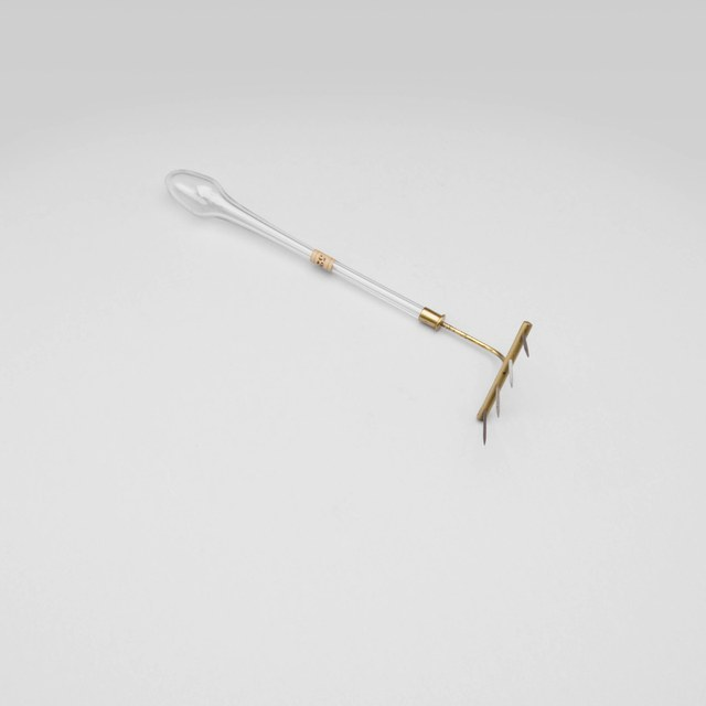 Discharge rake  (spikes made of copper/ iron/ zinc/ brass)