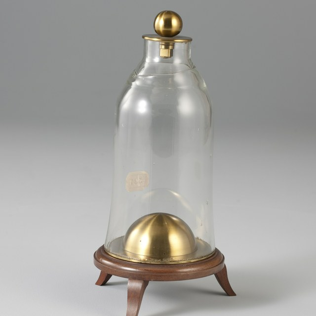 Discharge bell-jar with copper hemisphere