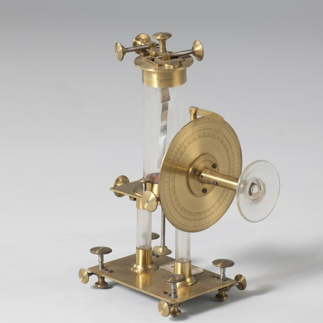 Micro-electrometer, after Pierre Louis Maréchaux