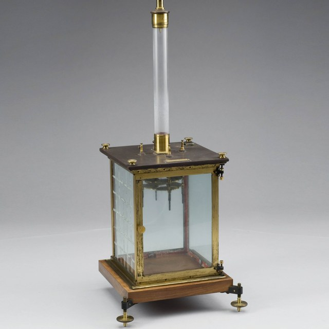 Quadrant electrometer, after Thomson and Branly