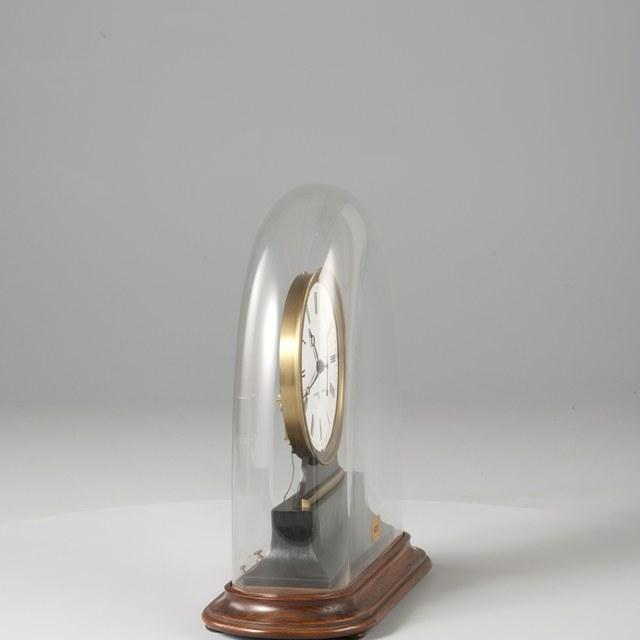 Impulse or slave clock