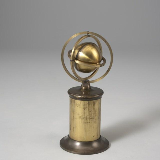Gyroscopic ball for explaining earth rotation, after J.G.F. von Bohnenberger (1817)