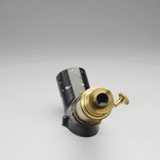 Polariscope, polarizing attachment for magic lantern