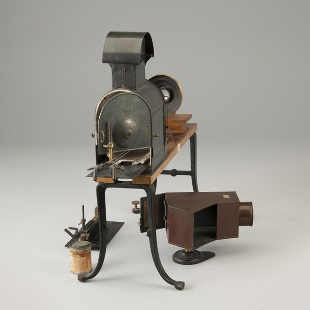 Projector for experiments, after E. Stöhrer