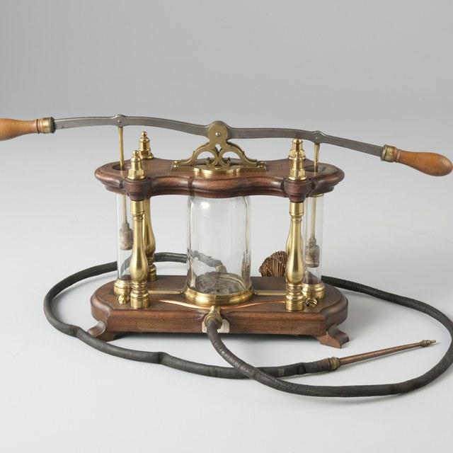 Model van een brandspuit, naar Jan van der Heyden (1637-1712)