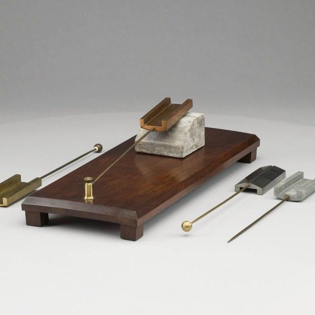 Trillingsinstrument, naar Trevelyan