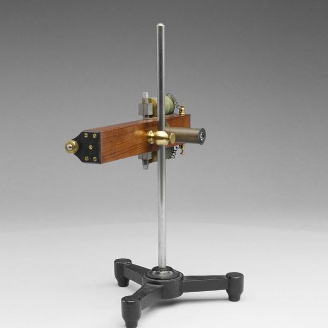 Vibratiemicroscoop, naar Lissajous en Helmholtz
