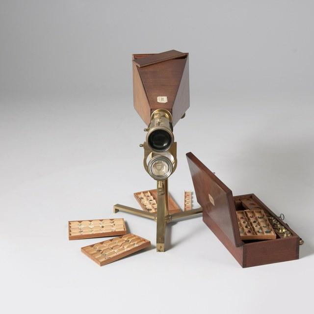 Projectiemicroscoop, naar George Adams (1771) en George Adams Jr. (1787)