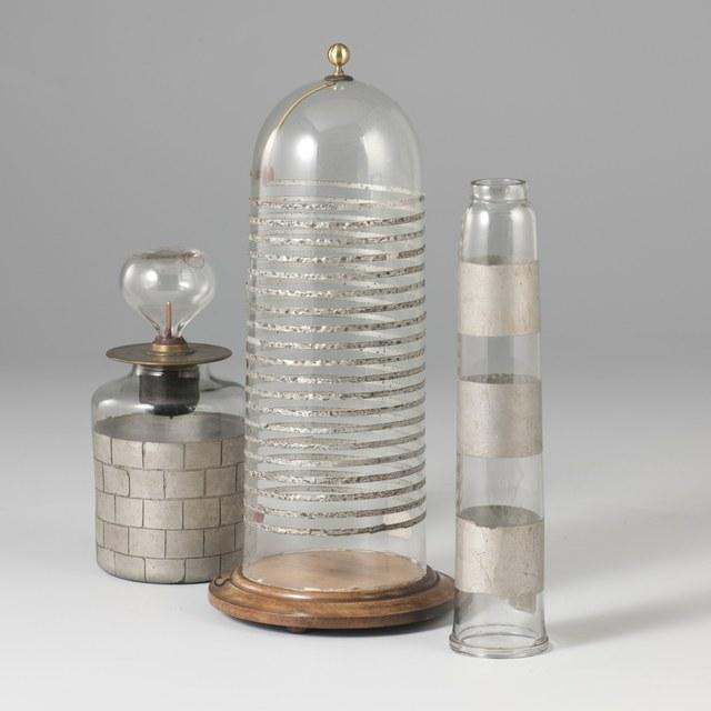 Flicker jar; no electrodes