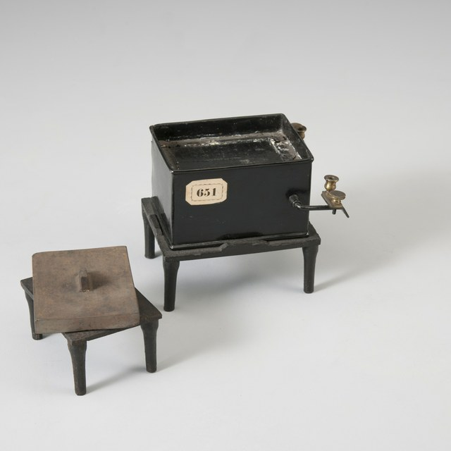 Thermo-elektrische batterij, naar A.E. Becquerel