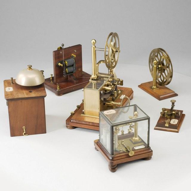 Zelfregistrerende telegraaf, sleutel,  naar Morse