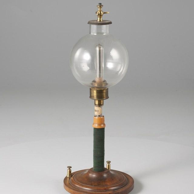 Poollichtfles, naar Auguste de la Rive (1858)