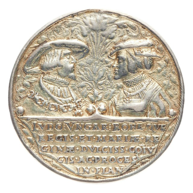 Lodewijk, koning van Hongarije, komt om in de slag tegen de Turken bij Mohacz.