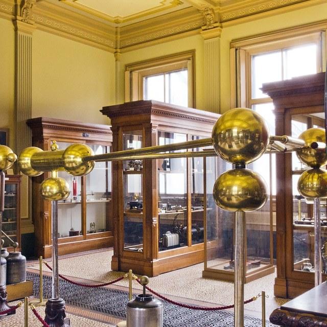 Televisieserie over topstukken Teylers Museum